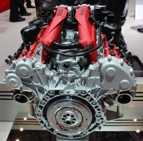 「カリフォルニアT」のターボ付きV8エンジン