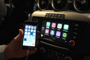 「FF」に搭載した「CarPlay」対応の車載機は「iPhone」と連携できる