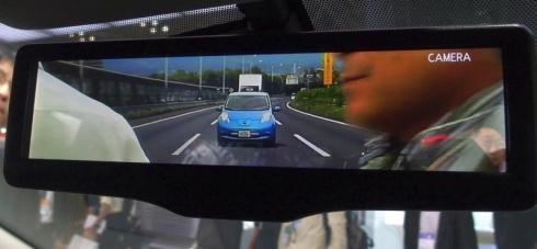 「スマート・ルームミラー」を液晶ディスプレイの状態にした場合の後方視界