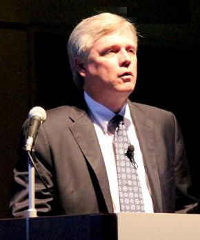 米国Siemens PLM Software 社長兼CEOのチャック・グラインドスタッフ氏