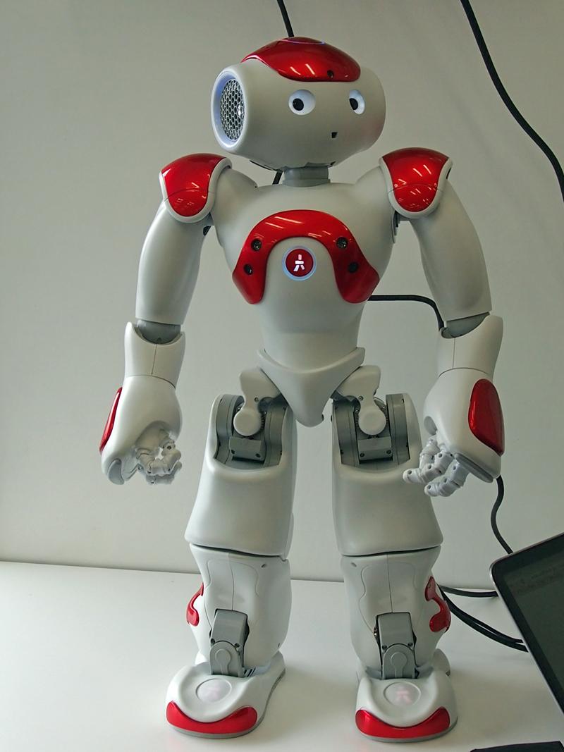 アルデバラン、ヒューマノイドロボットの最新モデル「NAO EVOLUTION ...