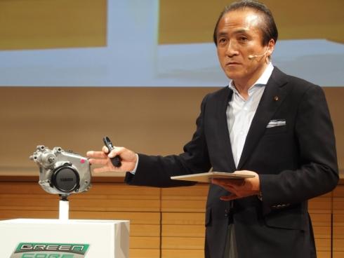 ヤマハ発動機の電動アシスト自転車向け「次世代ドライブユニット」と柳弘之氏