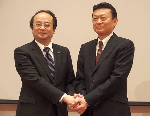 NTT東日本関東病院の亀山周二氏(左)とUBICの守本正宏氏(右)