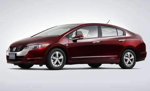 2007年11月に発表したセダンタイプの燃料電池車「FCXクラリティ」