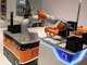 ハノーバーメッセ2015:手の前にまず足を動かす? 自走式ロボットアームで新たな用途を切り開くKUKA