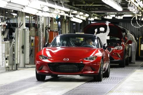 宇品第1工場で生産を開始した米国向けの新型「ロードスター」