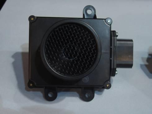 ロングレンジ超音波センサーの外観