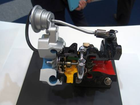 「S660」に採用されたターボチャージャーのカットモデル