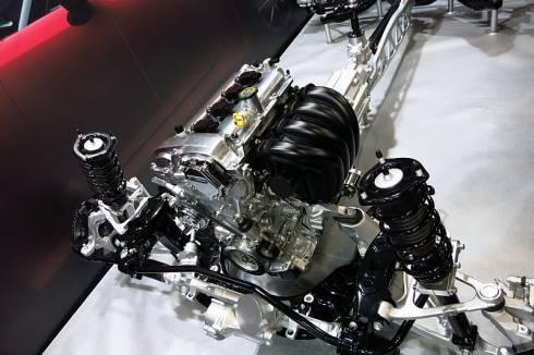 「NDロードスター」のエンジンヘッドカバー