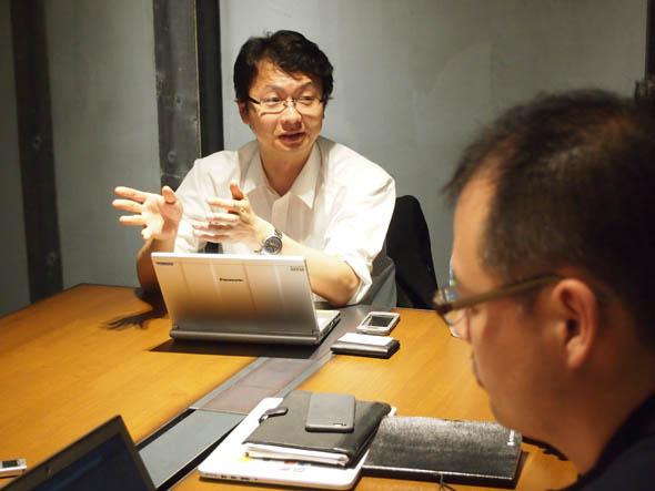 3Dプリンタの普及や進化について切り込む志田氏