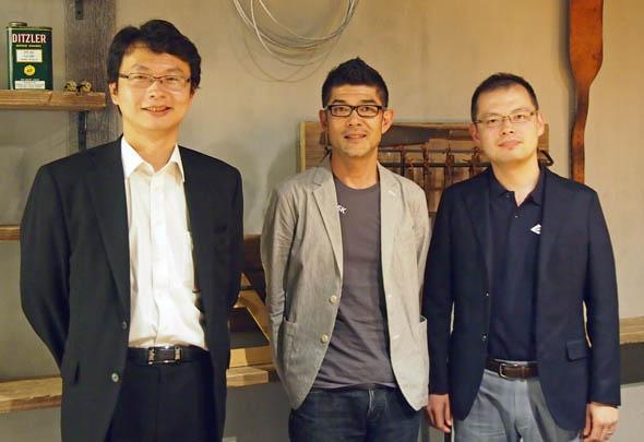 長時間の3Dモデリング/3Dプリンタ談義を終えた3人