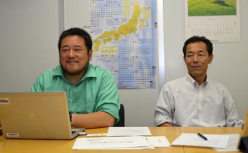 チャデモ協議会の吉田誠氏(左)と丸田理氏(右)
