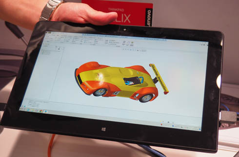 ブースではタブレットPCやiPadで各社の3次元CADの操作デモを行っていた