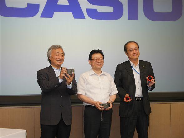 左から麻倉怜士氏、末高弘之氏、中山仁氏