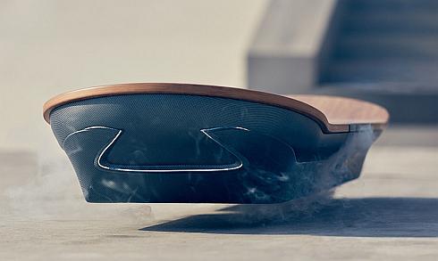 「レクサスホバーボード」に反映された「スピンドルグリル」