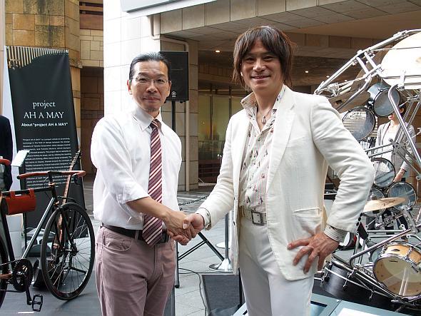 ヤマハの川田氏(左)とヤマハ発動機の長屋氏(右)