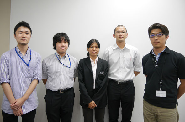 ワークショップ講師陣の皆さん。右から竹下氏、井上氏、宮崎氏と今回サポートにはいったMathWorksでインターン中の渡邉郁弥氏、田所祐一氏