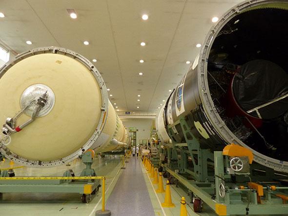 プレス公開されたH-IIAロケット29号機のコア機体