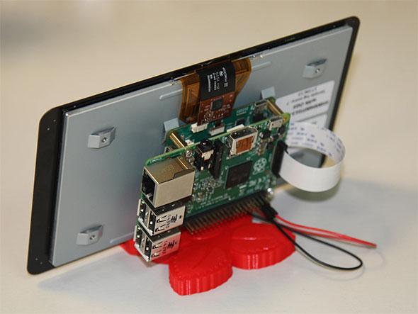 Raspberry Piとの組み合わせを背面から