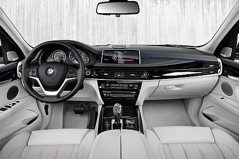 「X5 xDrive40e」の内装