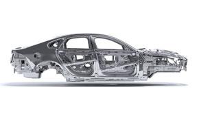 ボディの75%にアルミニウムを使用した軽量モノコック車体構造