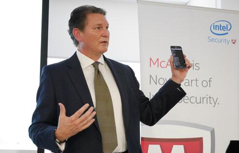インテル コーポレーション インテル セキュリティグループ チーフ コンシューマ セキュリティ エヴァンジェリストであるギャリー・デイビス氏