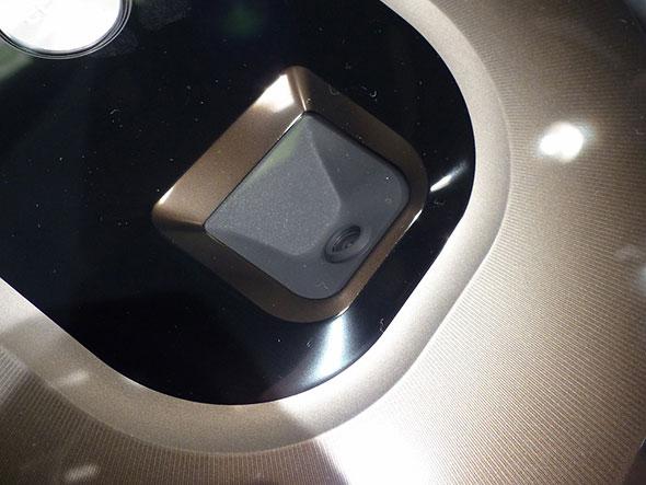 980の上面に搭載された小型カメラ。これで特徴点を捕捉する980の上面に搭載された小型カメラ。これで特徴点を捕捉する