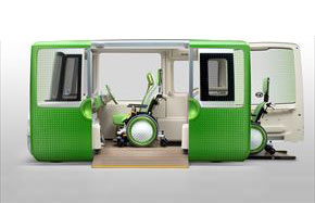 車いすは2台の積載/固定が可能