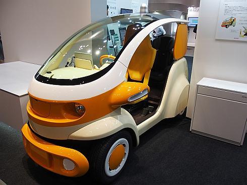 デンソーが展示した小型EV向けプラットフォーム