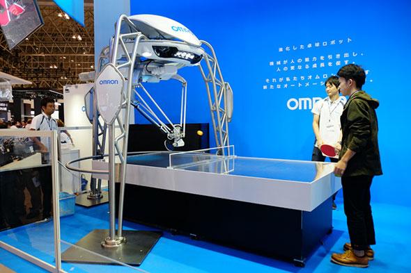 オムロンの2015年版「卓球ロボット」