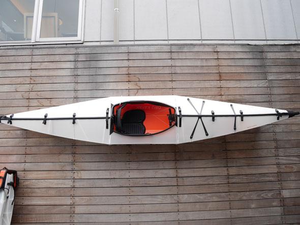 折り畳んで収納できるカヤック「Oru Kayak」