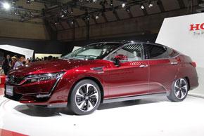 ホンダが東京モーターショー2015で発表した新型FCV「クラリティ」