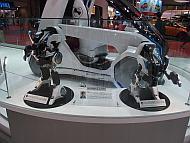 「コムス コネクト ロボ」の模型
