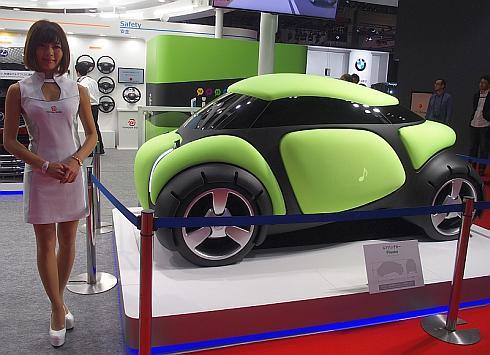 豊田合成のエアバッグカー「Flesby」