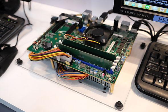 Merlin falconを搭載したテストボード