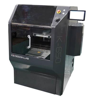 ケイズデザインラボの切削モデリングマシン「3D-Mill K-650」