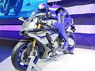 「東京モーターショー2015」で公開された「MOTOBOT」