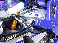 「MOTOBOT」のハンドル部
