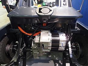 車両後部にSRモーターが組み込まれている