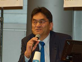 日産自動車の東倉伸介氏。2014年11月より車両開発主管として「エクストレイル」開発まとめを担当