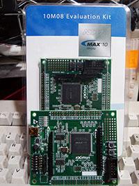 アルテラの開発ボード「MAX 10 FPGA」