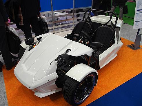 豊通エレクトロニクスが展示していた三輪の試作電気自動車