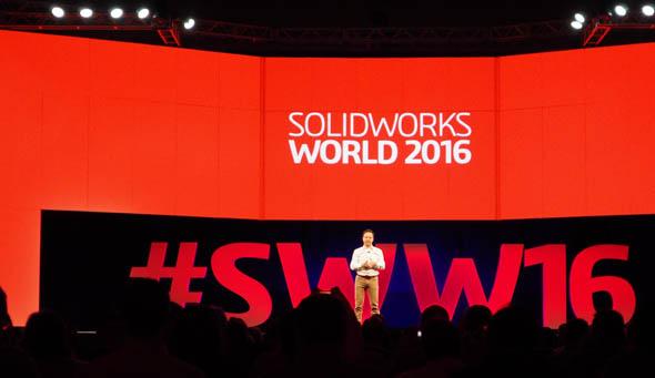 ジェネラルセッションに登壇したSOLIDWORKSブランド 最高経営責任者(CEO) ジャン・パオロ・バッシ(Gian Paolo Bassi)氏