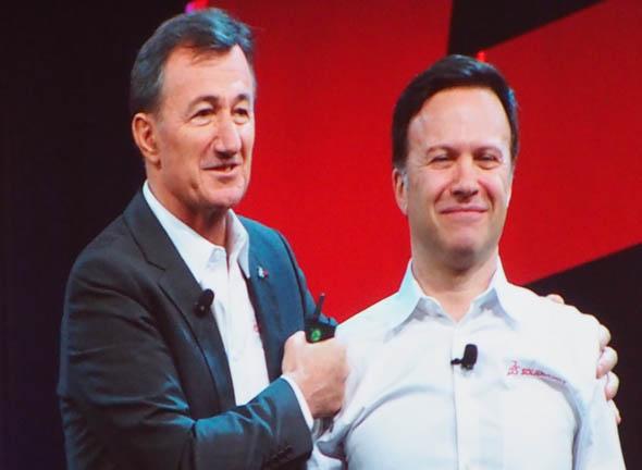 バッシ氏に紹介され、ダッソー・システムズ 社長兼最高経営責任者(CEO) ベルナール・シャーレス(Bernard Charles)氏が登壇。ダッソー・システムズの取り組みやイノベーションの未来について語った