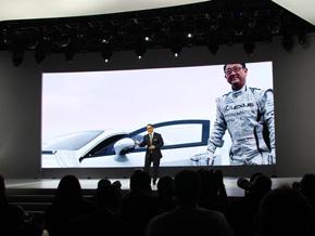 「私のミドルネームはレクサス」と冗談を飛ばすトヨタ自動車 社長の豊田章男氏