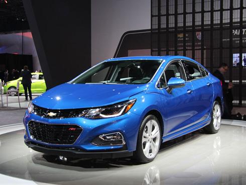 GMがコンセプト発表から1年で市販する電気自動車「BOLT」