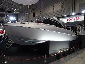 トヨタ自動車が展示した「TOYOTA-28 CONCEPT」の船体