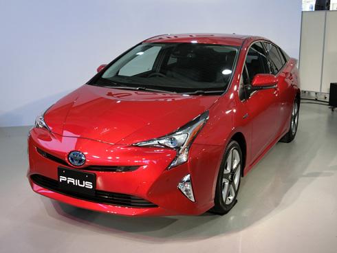 2015年12月9日に発売した新型「プリウス」。一部グレードはJC08モード燃費で40.8km/l(リットル)を達成