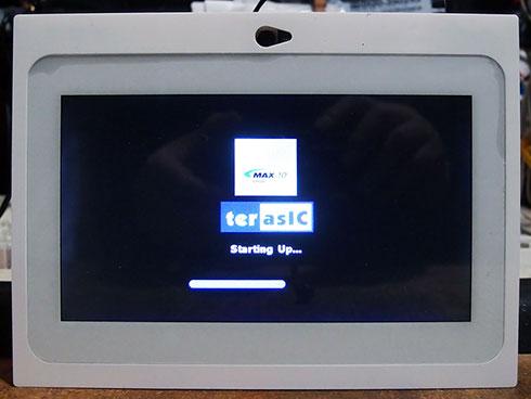 MAX 10 NEEKのスタートアップ画面