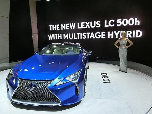 「ジュネーブモーターショー2016」で公開された「LC500h」